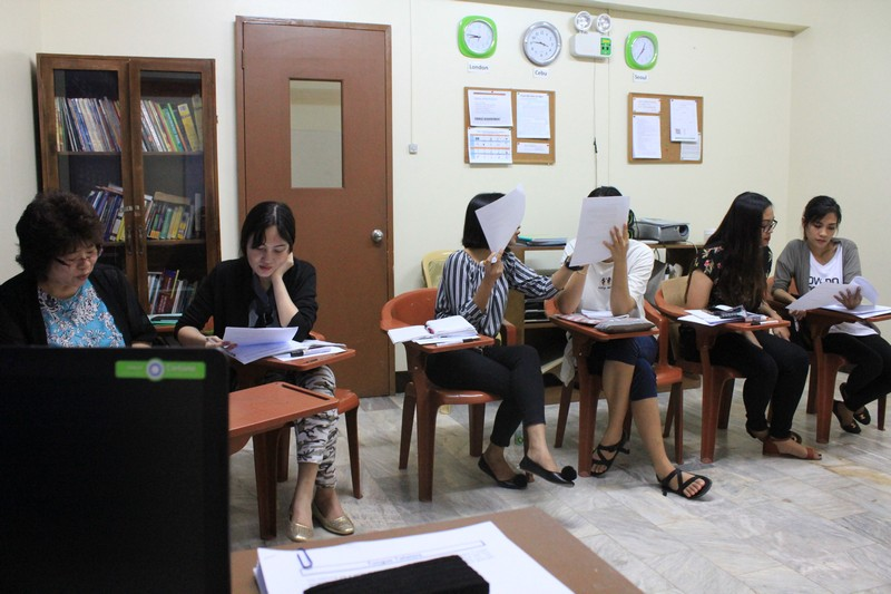 Students attending to a TESOL session